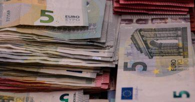 Praca Holandia zarobki koronawirus zmiany 2020