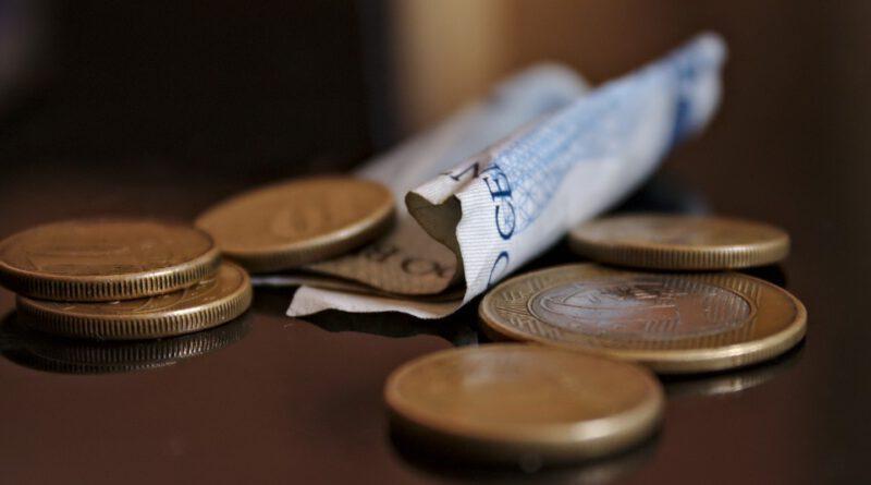 Holandia praca zarobki minimumloon płaca minimalna wiekówka