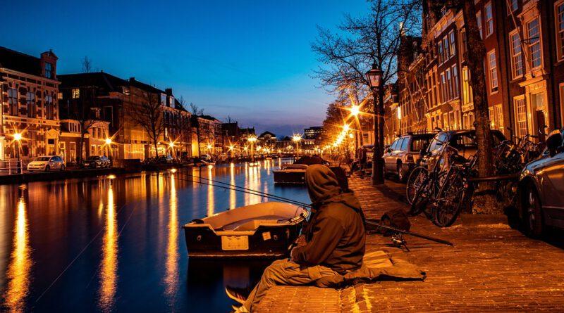 Holandia kanał woda Amsterdam