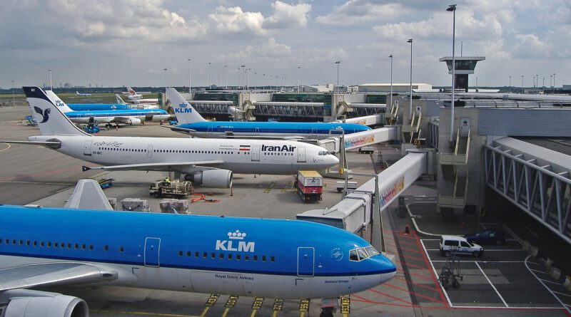 Holandia lotnisko Schiphol Amsterdam koronawirus lipiec 2020