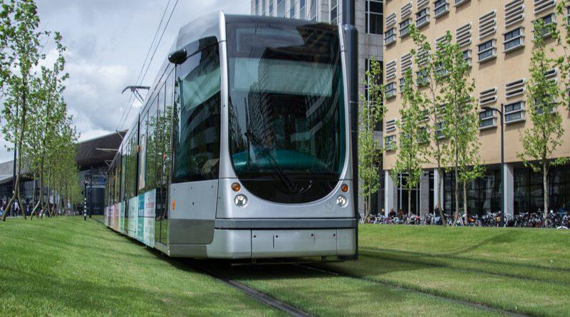 Holandia tramwaj autobus koronawirus 2020