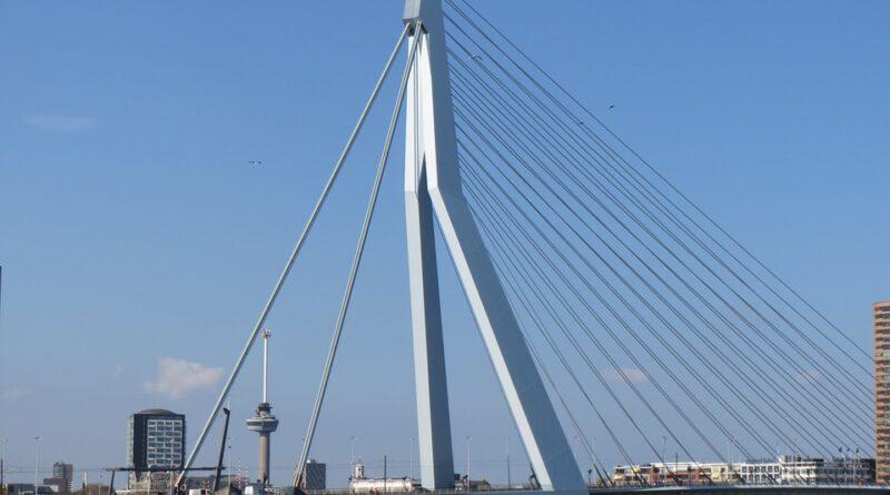 Holandia Rotterdam katastrofa komunikacja 2020