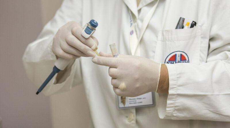 Holandia grypa szczepienie problem brak szczepionek jesień 2020