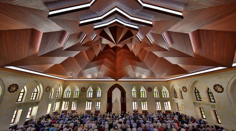 holandia koronawirus maseczki meczet