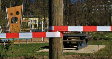 Holandia koronawirus blokada lockdown godzina policyjna zakaz odwiedzin
