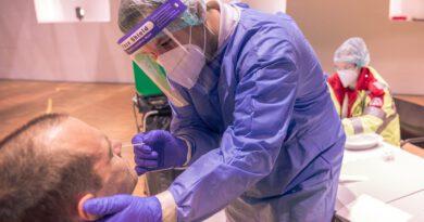 Holandia koronawirus test wacik alkomat