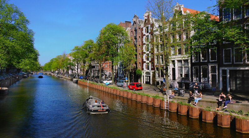 Holandia koronawirus maj wiosna złagodzenia